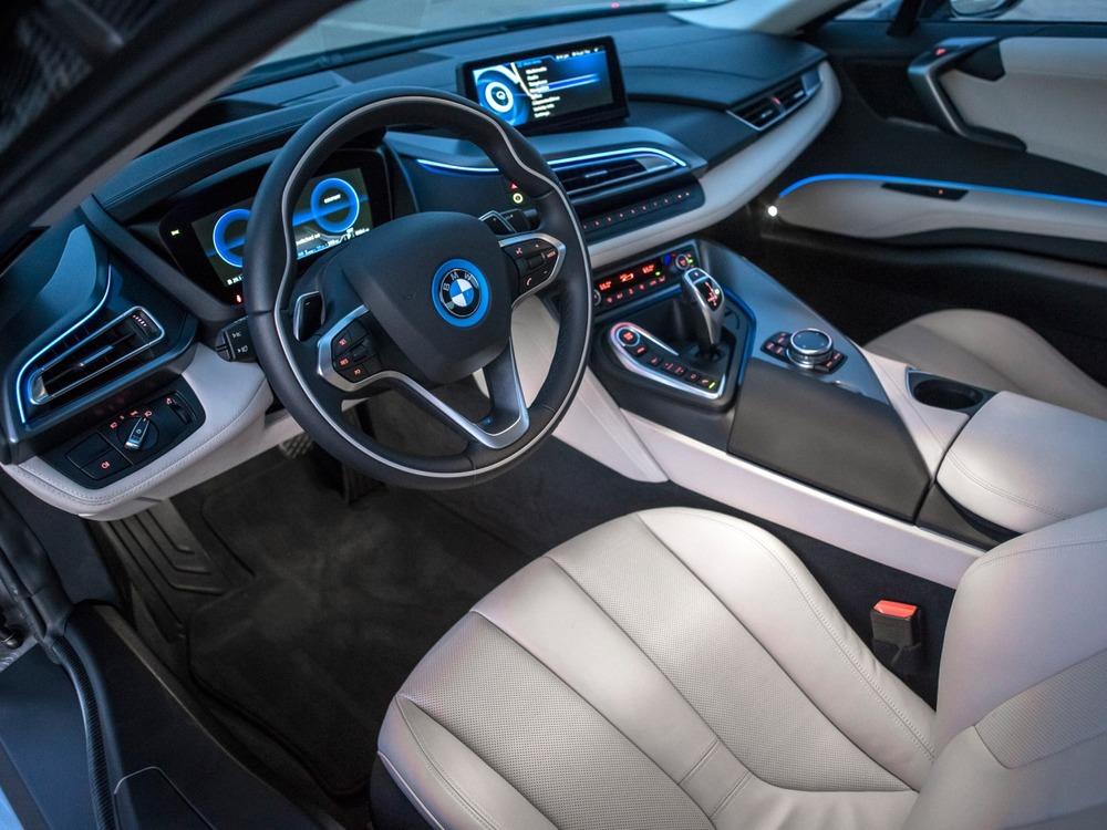 2014 - BMW i8