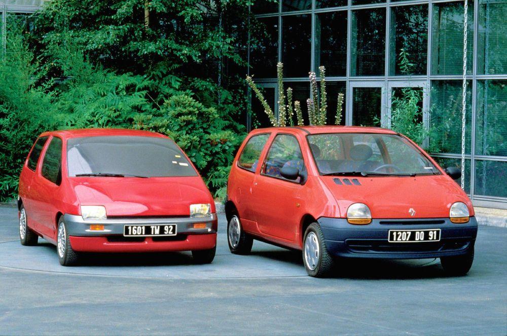 À gauche le prototype W60 de Ploué qui initia la future Twingo.