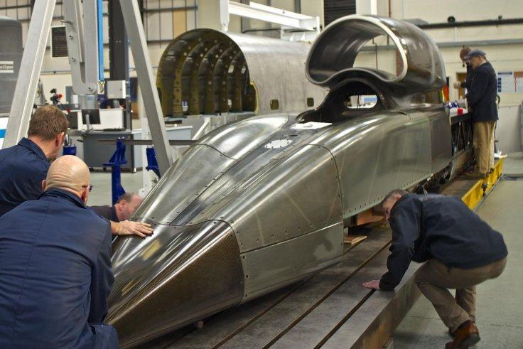 La carrosserie est réalisée en titane, comme Robocop ou le SR-71 BlackBird!