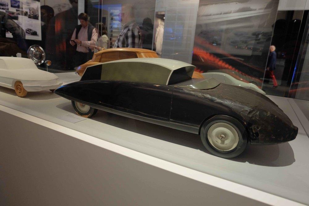 Maquette d'étude de la voiture présidentielle par Flaminio Bertoni.