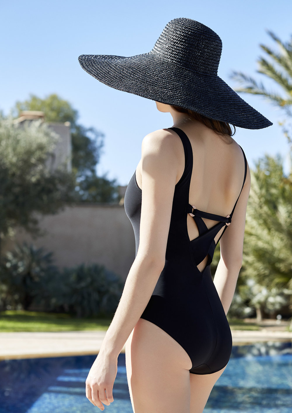 Bahamas one-piece, sizes 38 to 48 : $90