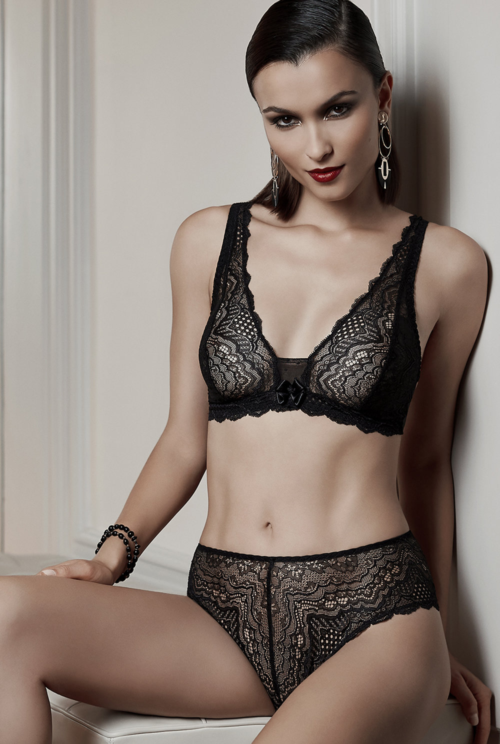 Désir d'un Soir   triangle, sizes 85 to 95 b, c : $63   Shorty, sizes 36 to 46: $38