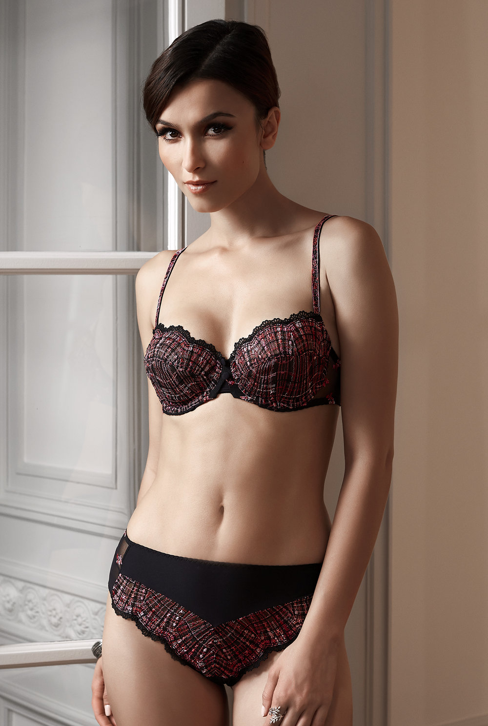 Joli Môme balconnet, sizes 85 to 95 b, c, d : $102    Shorty, sizes 36 to 46: $51