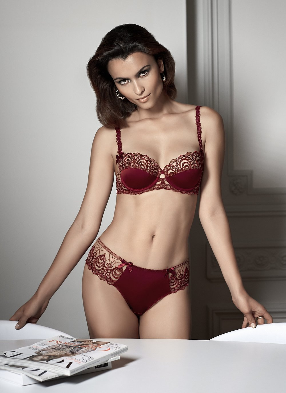 Ode a l'Amour   classic balconnet, sizes 85 to 95 b, c : $74        Shorty string, sizes 36 to 46 : $61