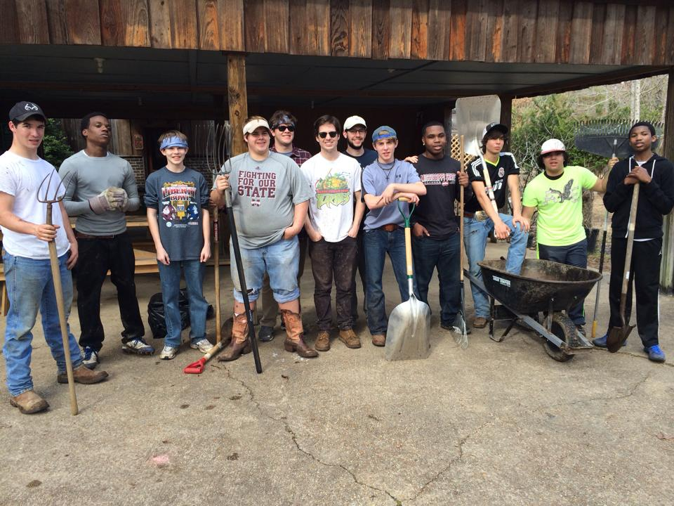 Volunteer Day - Pine Lake Church brought out an enthusiastic crew of young men.