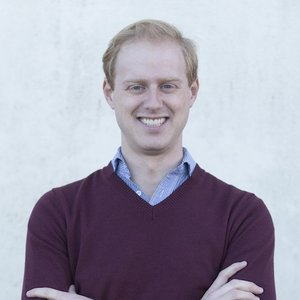 Chris | Economics & French