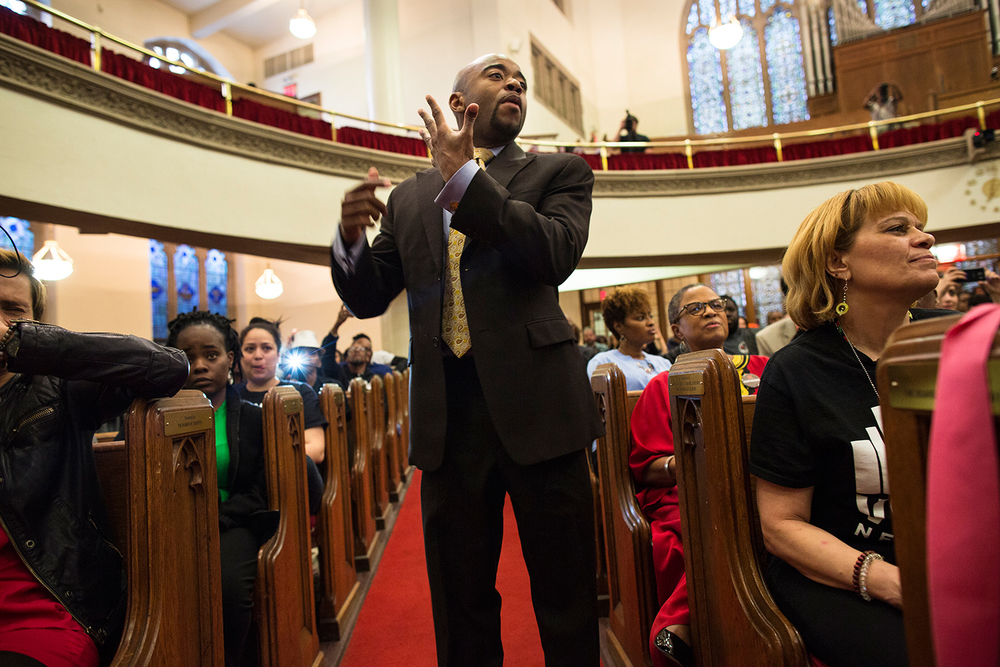 Choir master conducts during interfaith service at Harlem's historic  Abyssinian Baptist Church  organized by advocacy group  VOCAL-NY  to call for end to the war on drugs on the eve of the United Nations General Assembly Special Session on the world drug problem ( UNGASS ), NY, NY, 2016