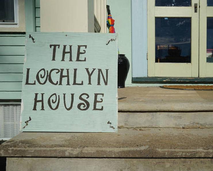 LochlynSign.PNG
