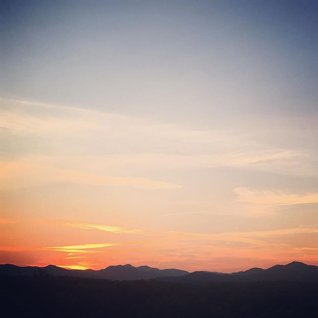 Love where you live. #sunset #avl #828isgreat #wnc #home #love #gratitude