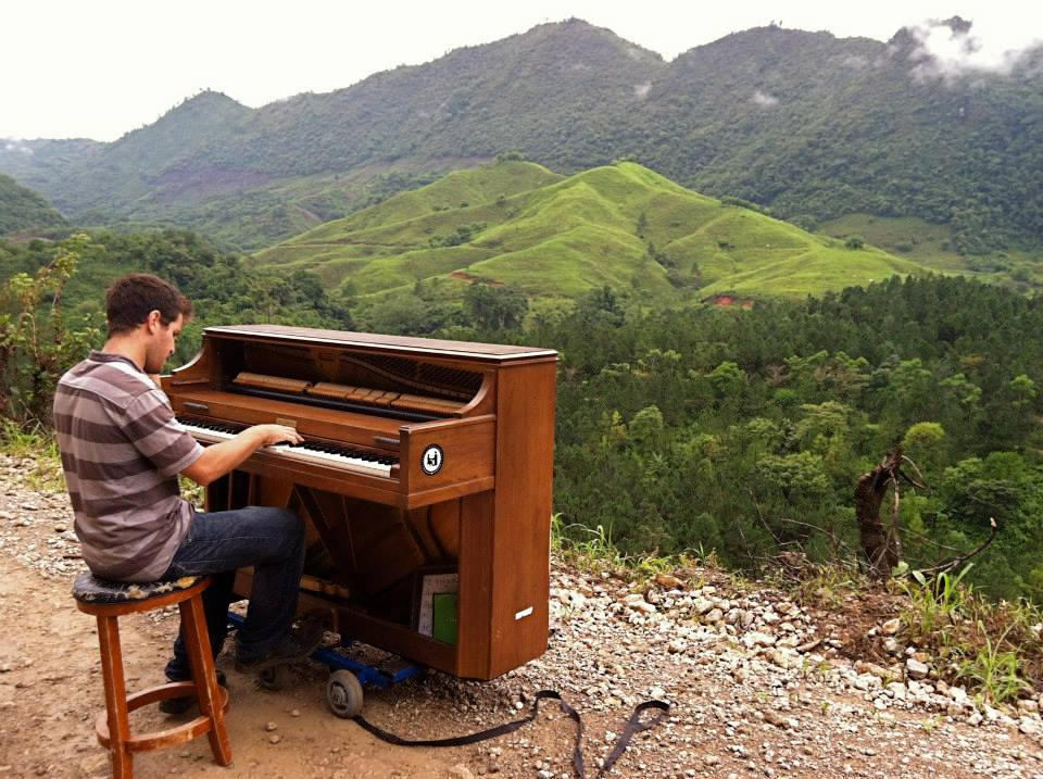 playing piano at semuc champey