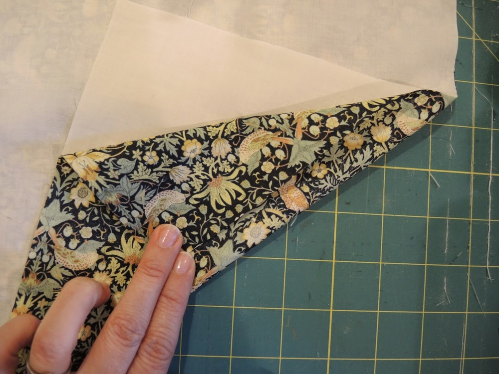 Reversible+Napkin+Tutorial2.jpg
