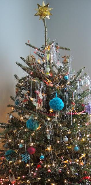 pom+pom+ornaments3.jpg