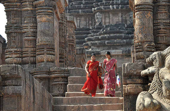 Women at Konark Sun Temple by greenelent