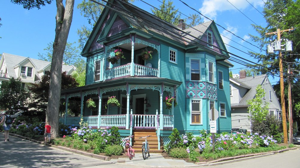 This brightly remodeled Victorian has long been one of my favorites.  Aqua, lavender and hydrangeas - what's not to love?