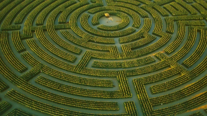 The Maze of Regina-sur-Indre, France