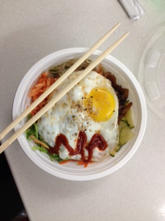 Bibimbap is both nutritious and delicious.