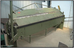The loose sleeve folder is used for folding boxes, floor pans and other general folding on panel work.