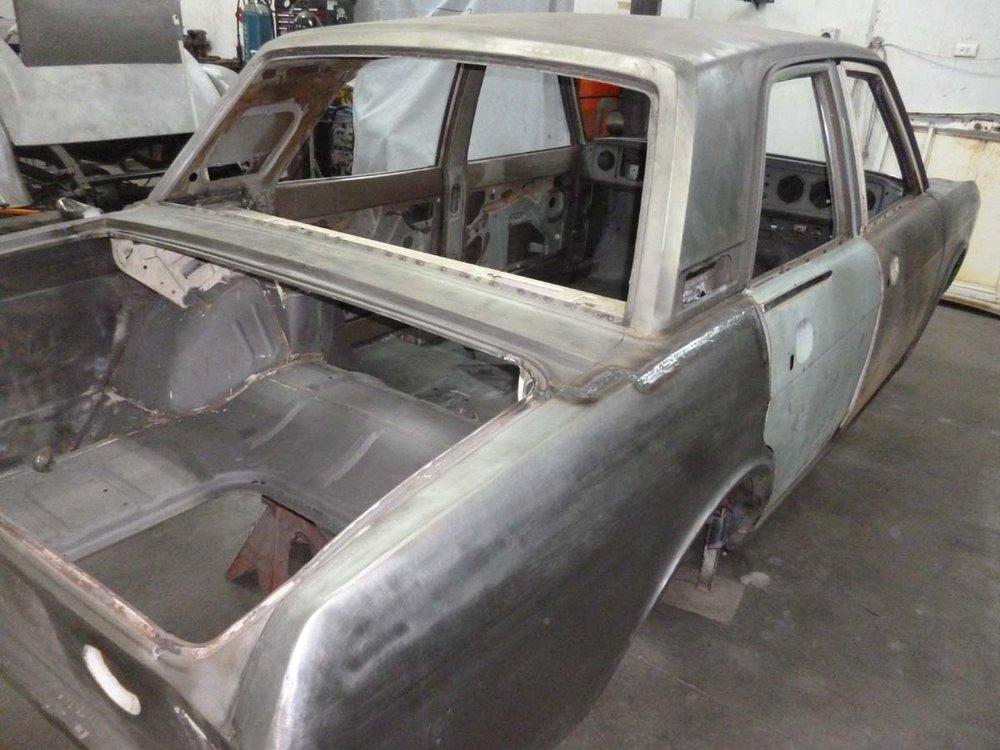 Ford Cortina Mk2 54.jpg