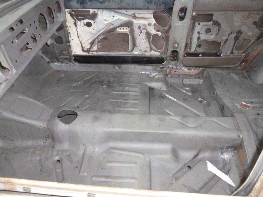 Ford Cortina Mk2 57.jpg