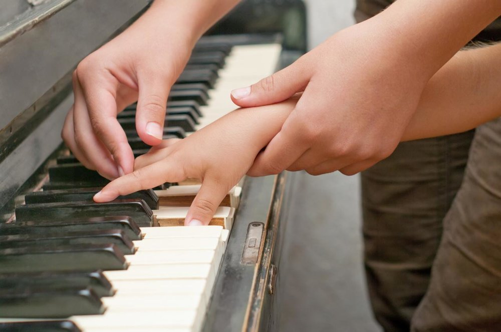 piano_teacher_child