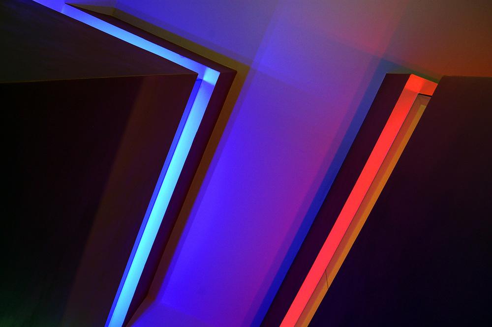 Beleuchtete Oberlichtbänder