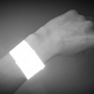 Armband is reflective in the dark