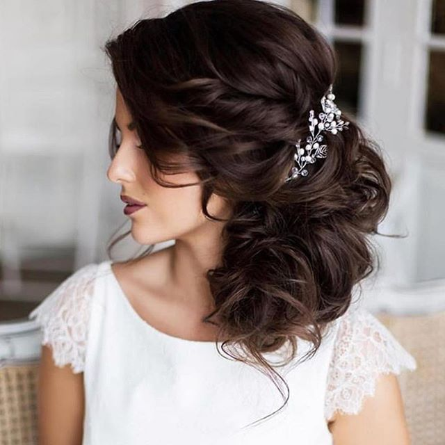 It's wedding weekend and Saphira products are all over it #lovingthis #mineralsforyourhair #beauty #hair #weekend #weddinghair @wedding_hair