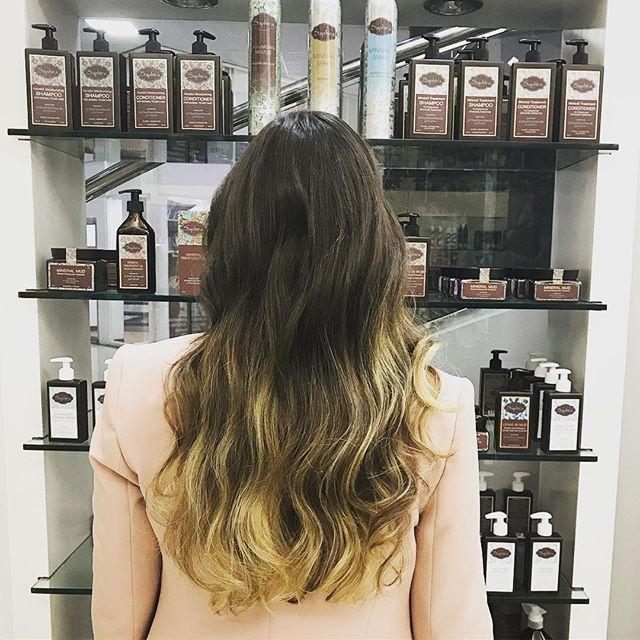 Hair styled at a Saphira Salon in Beautiful PANAMA 💜🌴🇬🇬🇵🇦 #Saphira #hair #professionalbeauty #visitingsalons #color #Tuesday #I💜Panama