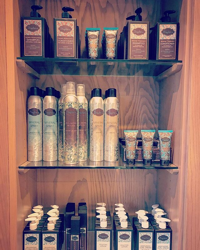 Stunning Display at the Waldorf Astoria Park City Utah 💕#Saphira #minerals #spatime @waldorfparkcity #mud #treatment #relaxation #haircare #professionalhair