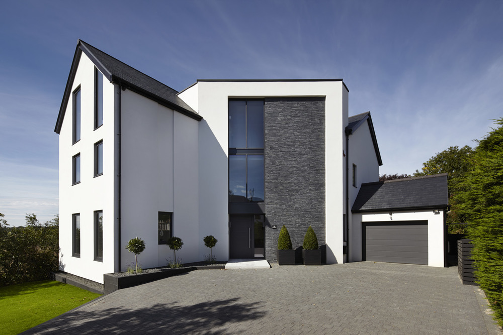 Mason Construction specialises in new builds as well as high specification refurbishments.