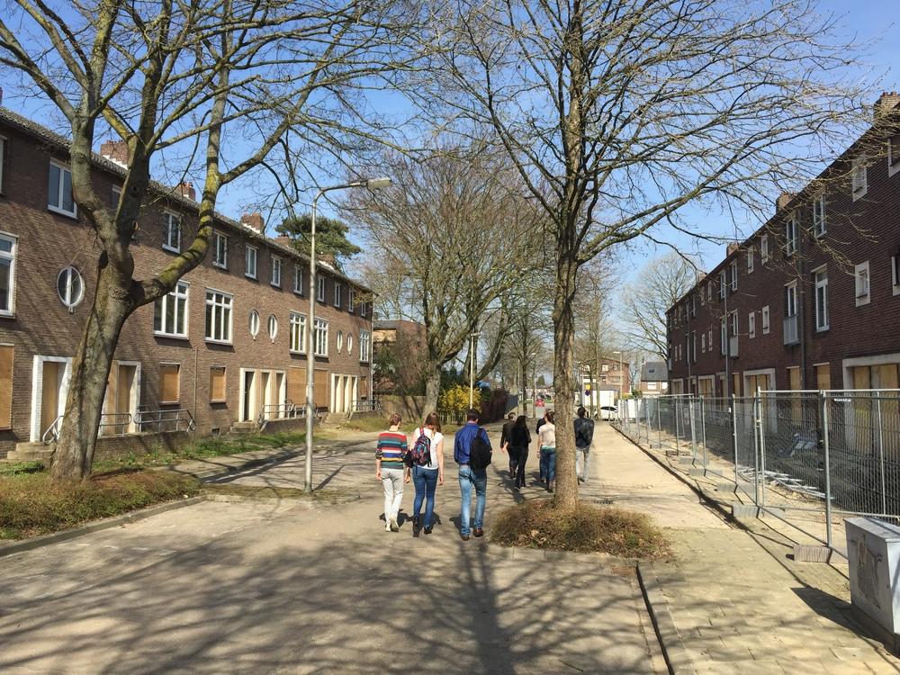 Limburgse 'Spookstraat'. Maar sloop is duur en herbestemming niet altijd mogelijk.