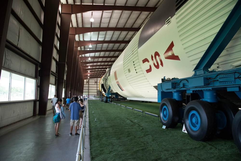 Ganz schön lang, so eine Saturn V Rakete.