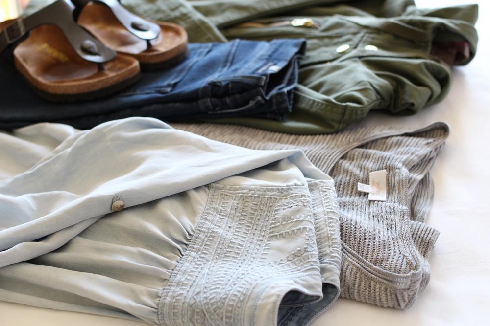 minimalist-wardrobe-season-1-2.jpg