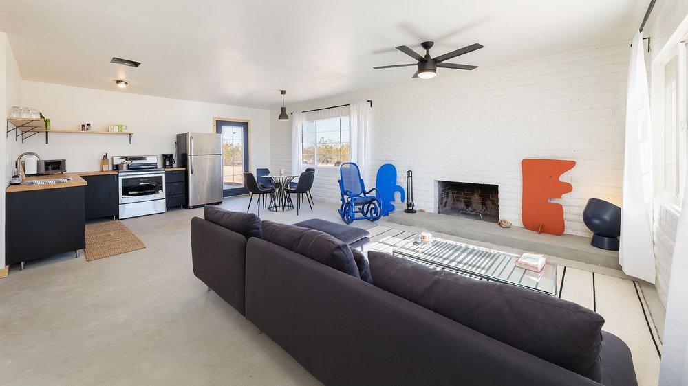 Desert+Brick+House+Landers+Rental+High+Desert