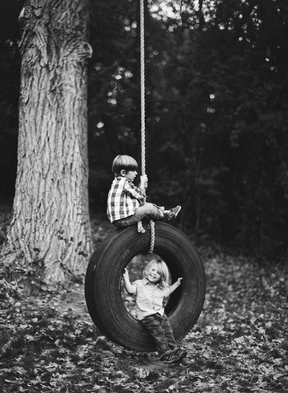 wisconsin fall mini sessions 2015 with Lexia Frank Photography at Camp Wandawega. Lexia is a fine art film photographer in wisconsin and worldwide