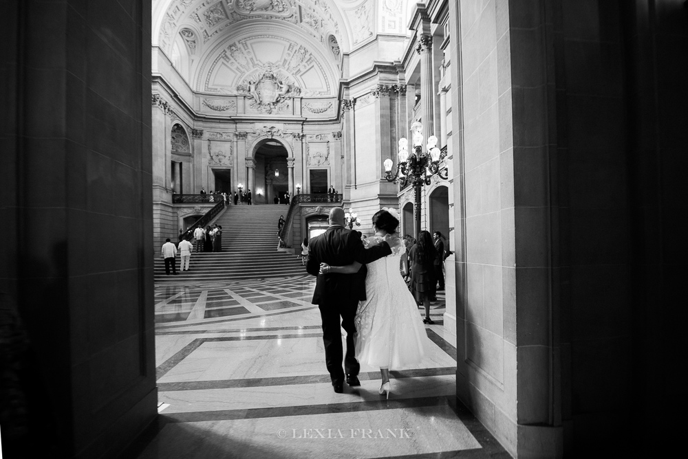 destination wedding photographer lexia frank - a portland oregon fine art film photographer - documents this San Francisco city hall wedding in film www.lexiafrank.com