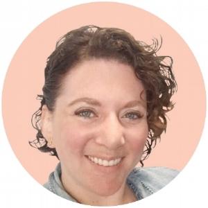 Julia Bergen Profile Picture-01.jpg