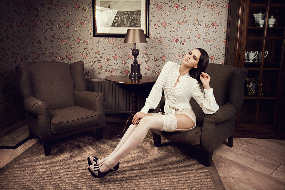 aylinreckermann_hotelboheme_magpiedarling_fashion_editorial_photography_2.jpg