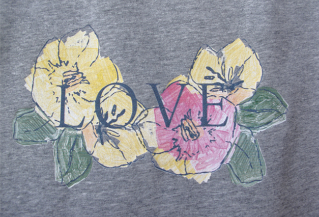"| ""Flower love"" illustration, for a MunW product (t-shirts, bags, sweaters, etc). Available at www.munw.es. 