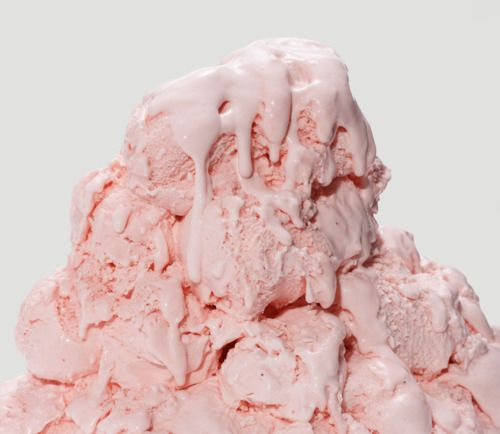Summer pink, by MunW blog (www.munw.es). Yummy. Photo from http://pink-veins.tumblr.com.