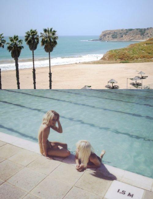 K.10 I Dos chicas en piscina. jpg.jpg