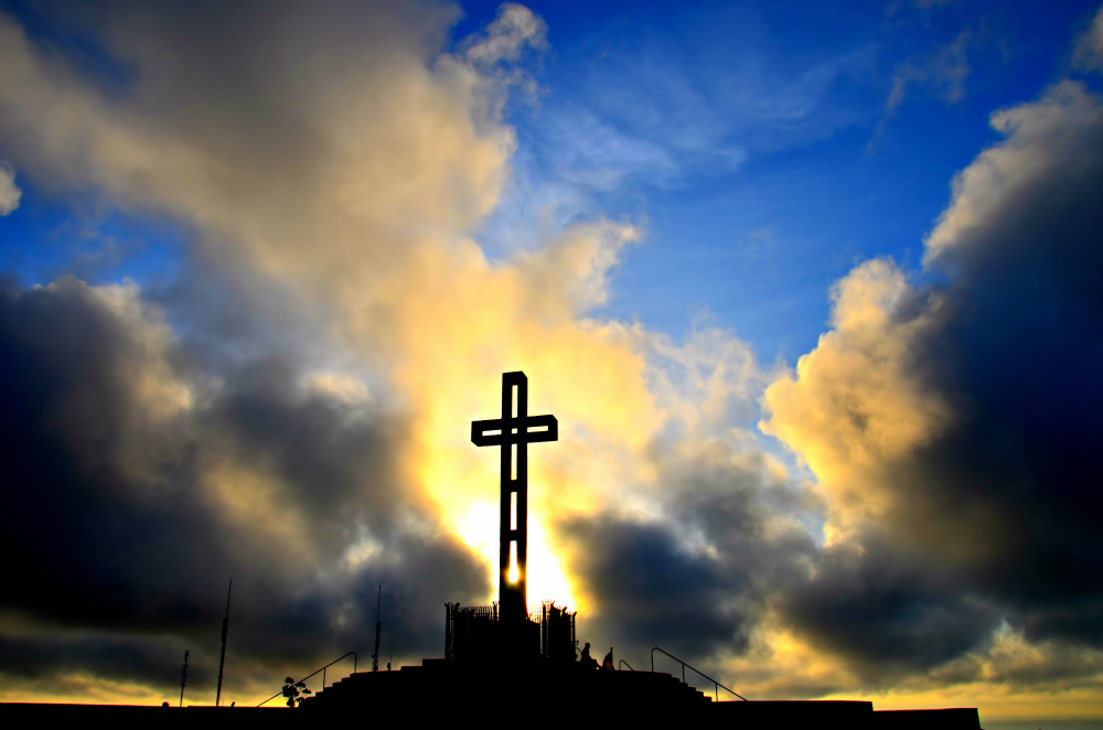 -Easter Cross ~ Alleluia ~ -Praise the Lord-- by Sharon - Flickr - CC BY.jpg