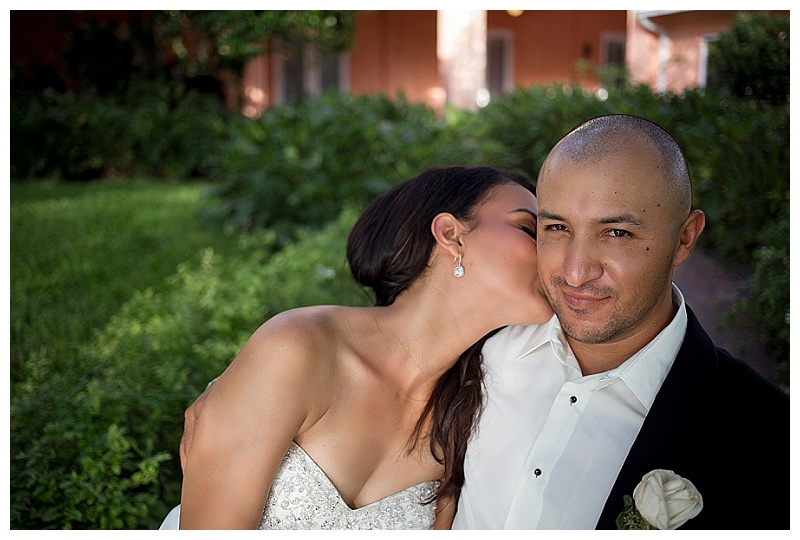 St_Petersburg_Womens_Club_Wedding_Photographer (15).jpg