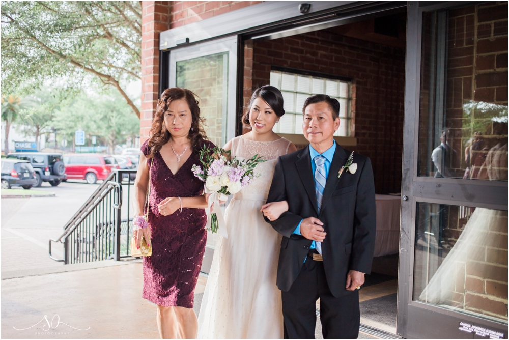 Alfond-Inn-Water-Park-Farmers-Market-Wedding-Sara-Ozim-Photography_0052.jpg