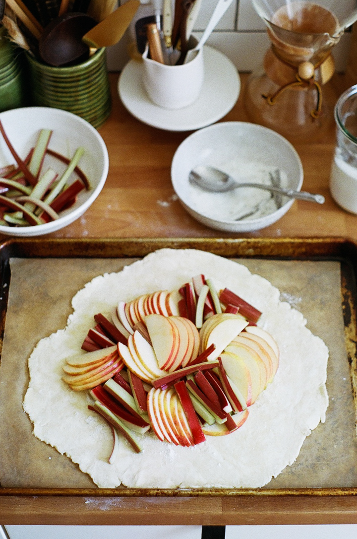 rhubarb and apple tart (yossy arefi)