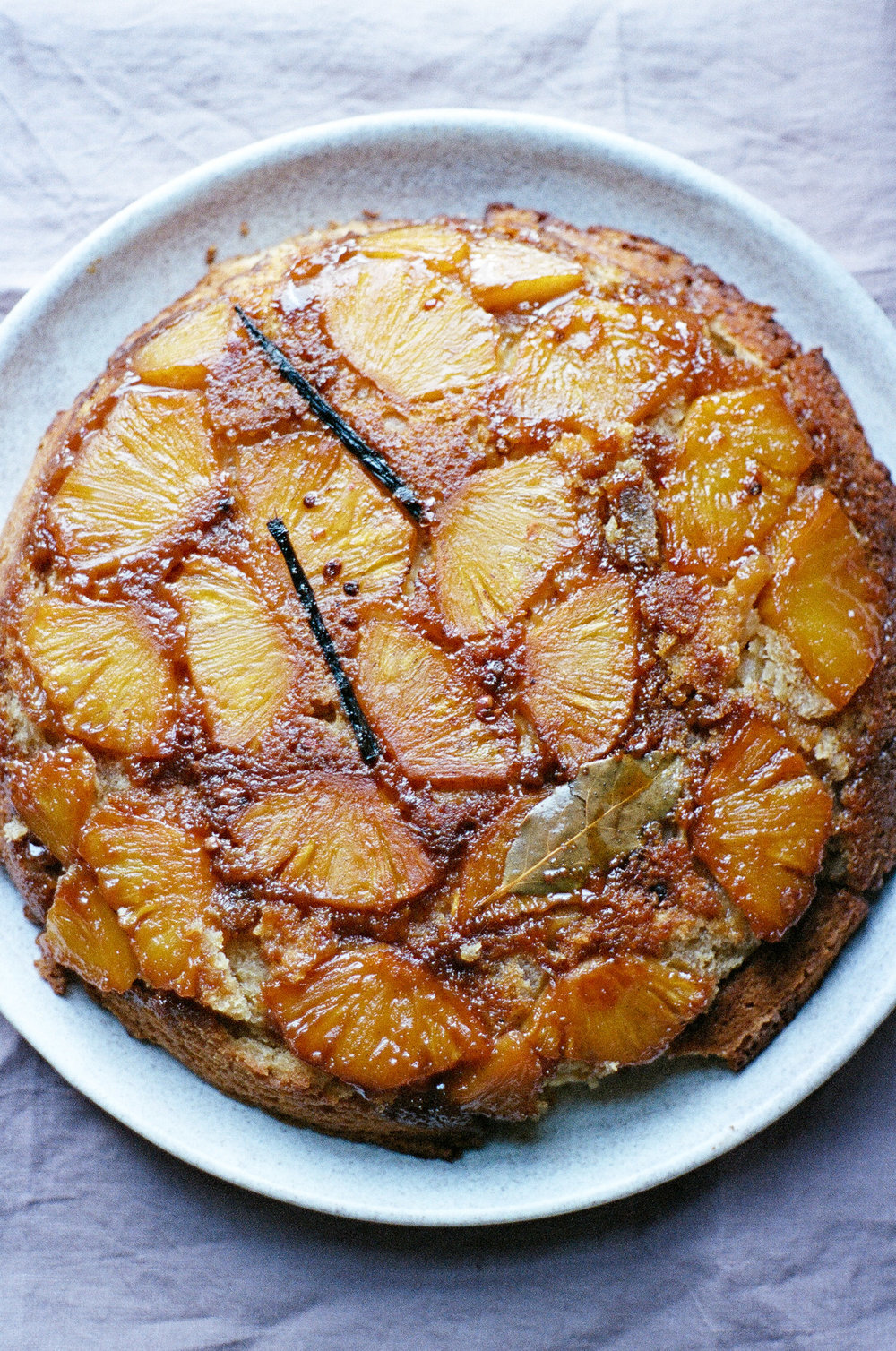 pineapple upside down cake-01910031.jpg