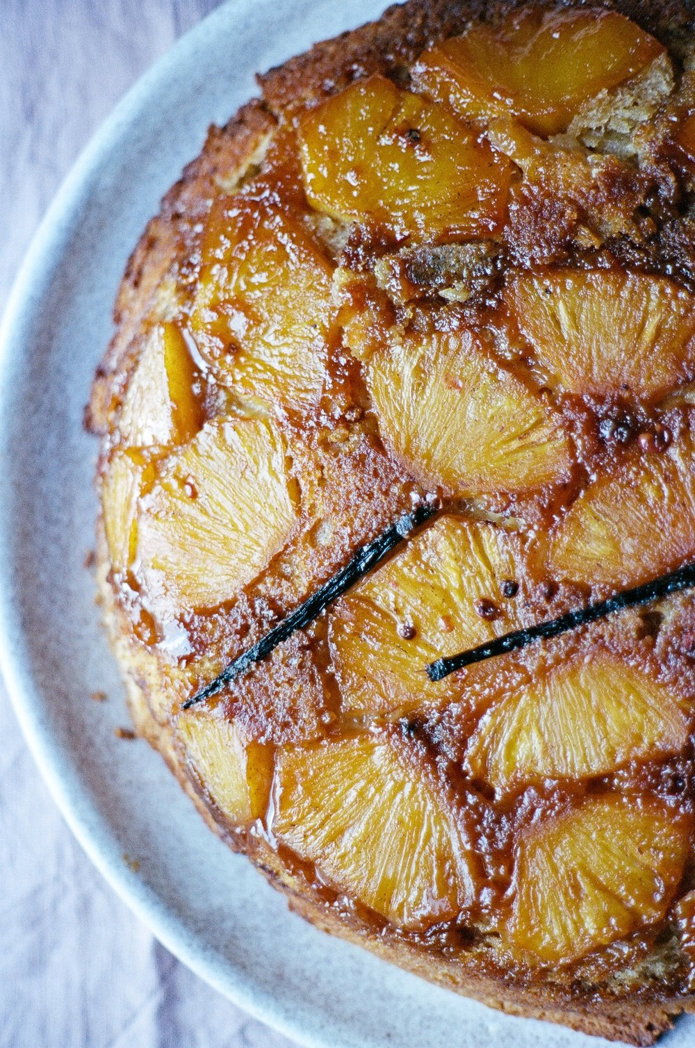 pineapple upside down cake-01910033.jpg