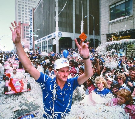 Saberhagen Notables:World Series MVP (1985)World Series Champion (1985)2x AL Cy Young Award (1985,1989)3x All-Star (1987,1990,1994)MLB Wins Leader (1989)Gold Glove Award (1989)AL ERA Leader (1989)Pitched a no-hitter on August 26, 1991Kansas City Royals (1984–1991)New York Mets (1992–1995)Colorado Rockies (1995)Boston Red Sox (1997–1999, 2001) -