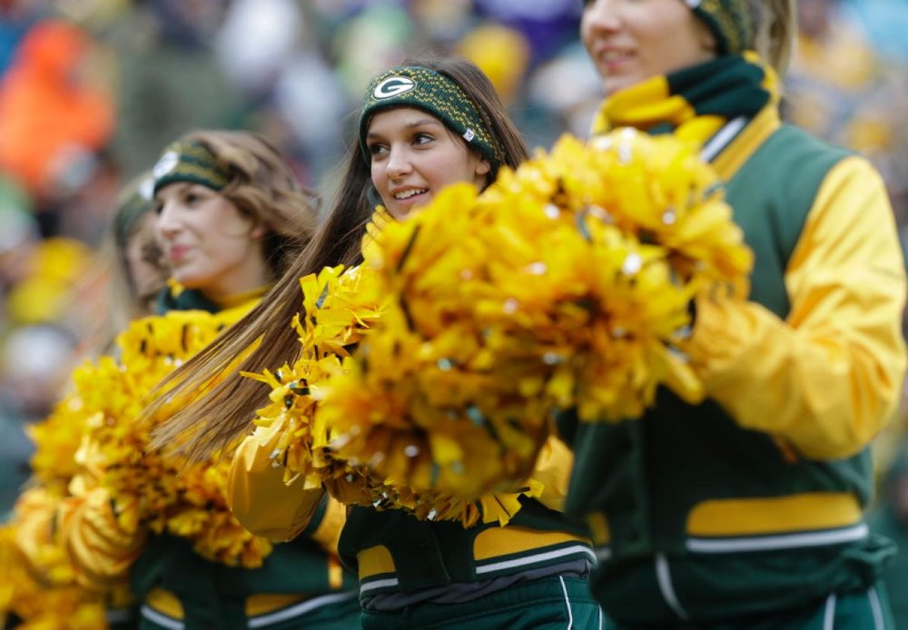 packers cheer.jpg