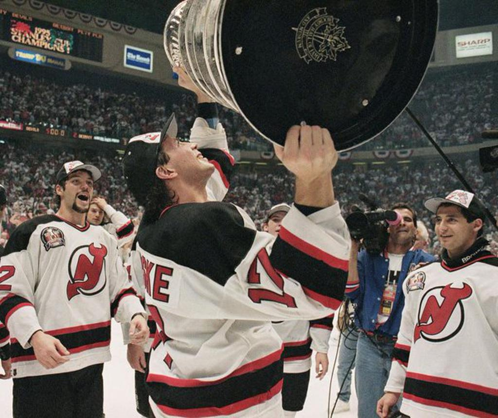 TOM CHORSKE Former New Jersey Devils — Crave the Auto 0f309abb7